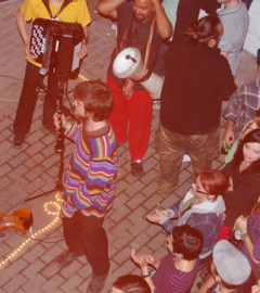 Lemon Bucket Orkestra la Arad Extaz balkan-klezmer-gypsy-punk în KF